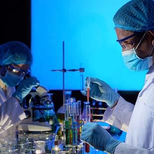 Por que escolher uma fabricante de equipamentos para laboratório na hora de comprar?